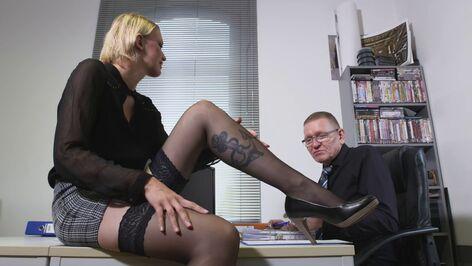Büro erotik Pure Fuß